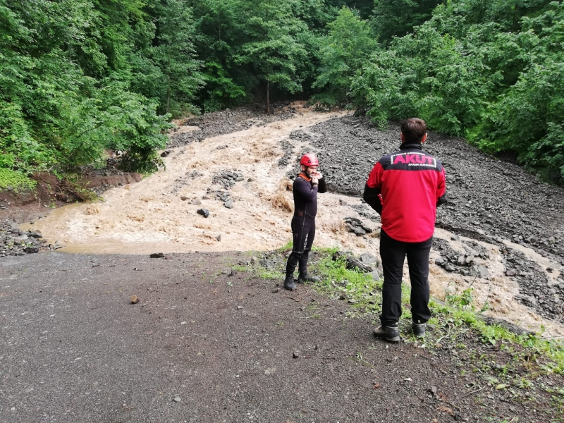 Araklı'da Sel Felaketi 2 Kişi Hayatını Kaybetti
