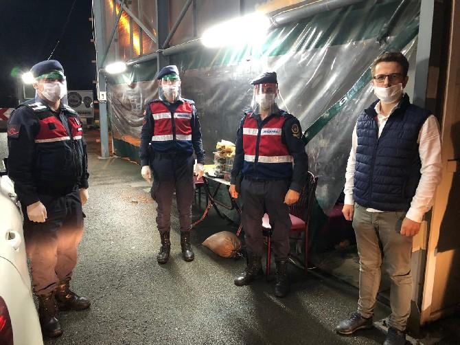 ASKON Rize'den Güvenlik Güçlerine Sahurda Yemek İkramı Sürprizi