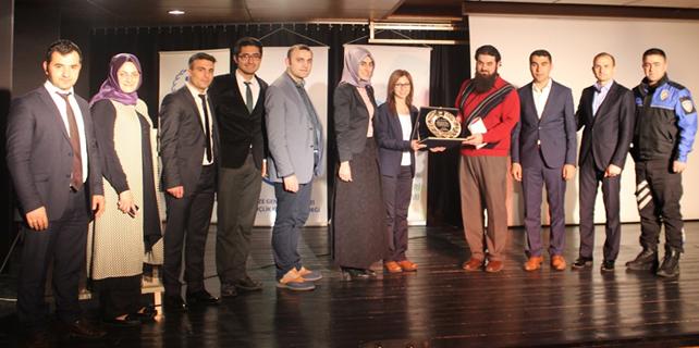 Rize'de gençler için madde bağımlılığı konferansı