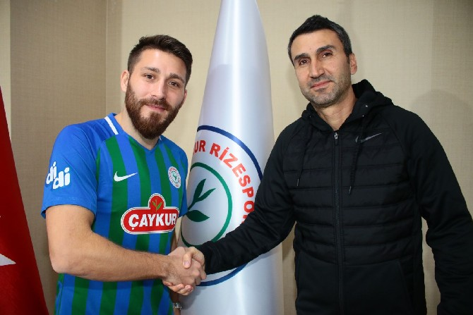 Çaykur Rizespor'da Tunay Torun İmzaladı