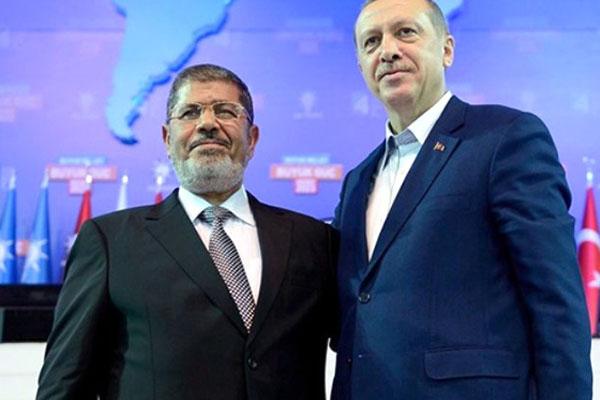 Cumhurbaşkanı, Mursi için kılınan cenaze namazına katıldı