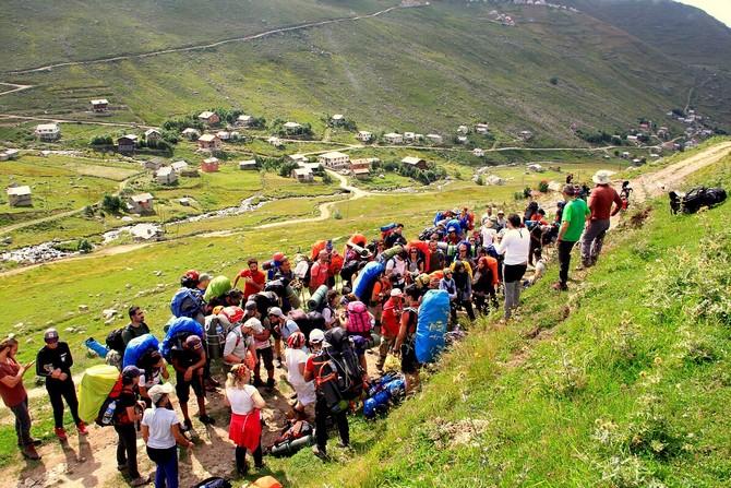 Dağcılar Festival Kapsamında 3 Bin 650 Rakımlı Tatos Dağı Zirvesinde