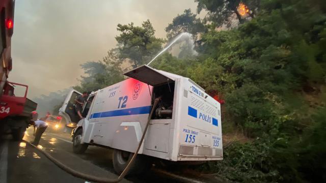 Emniyetten yangın söndürme çalışmalarına 112 TOMA ile destek