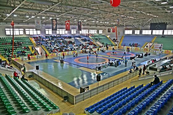 Gençler Türkiye Güreş Şampiyonası Başladı