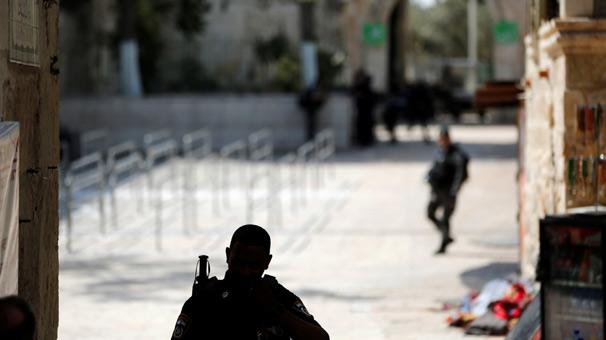 İsrail, Mescid-i Aksa'nın çevresini boşalttı