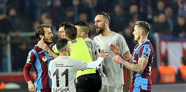 İşte Çaykur Rizespor Ve Trabzonspor 'a Verilen Cezalar