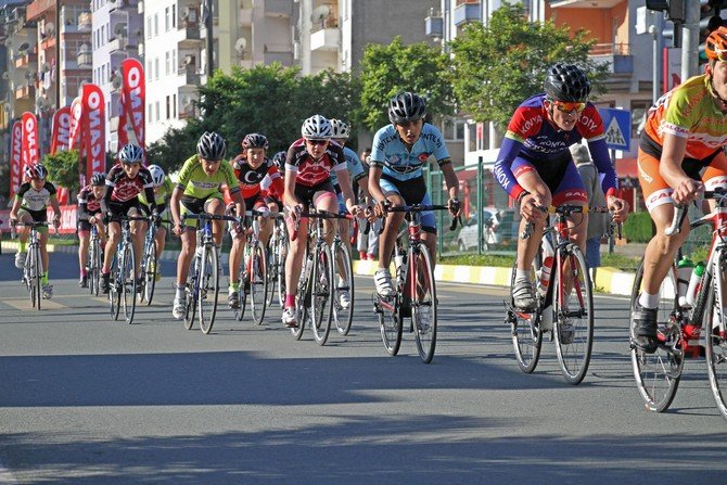 Karadeniz Kriteryum Yol Bisiklet Yarışları  Çayeli'nde Yapıldı