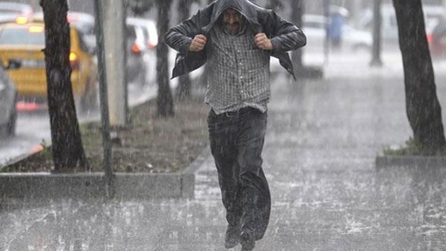 Meteoroloji Uyardı: Doğu Karadeniz'de Kuvvetli Sağanak Yağışlara Dikkat!