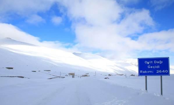 Ovit Dağı Beyaza Büründü Sürücüler Zor Anlar Yaşadı