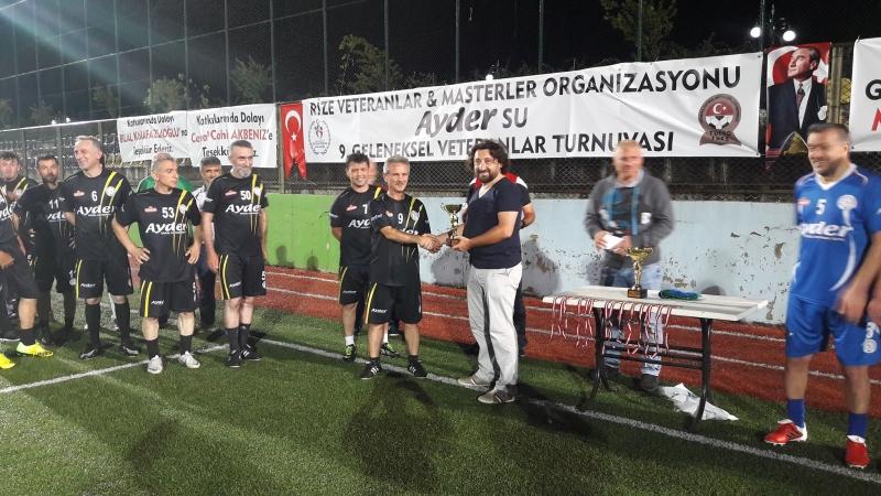 Rize veteranlar & masterler Ayder su 9. geleneksel veteranlar futbol turnuvası sona erdi