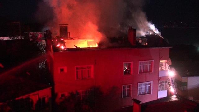 Rize'de Ev Yangını