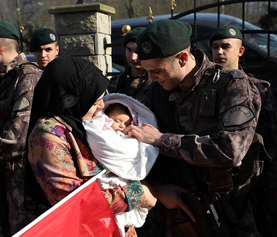 Rize'de Kahramanlar Afrin'e Dualarla Uğurlandı