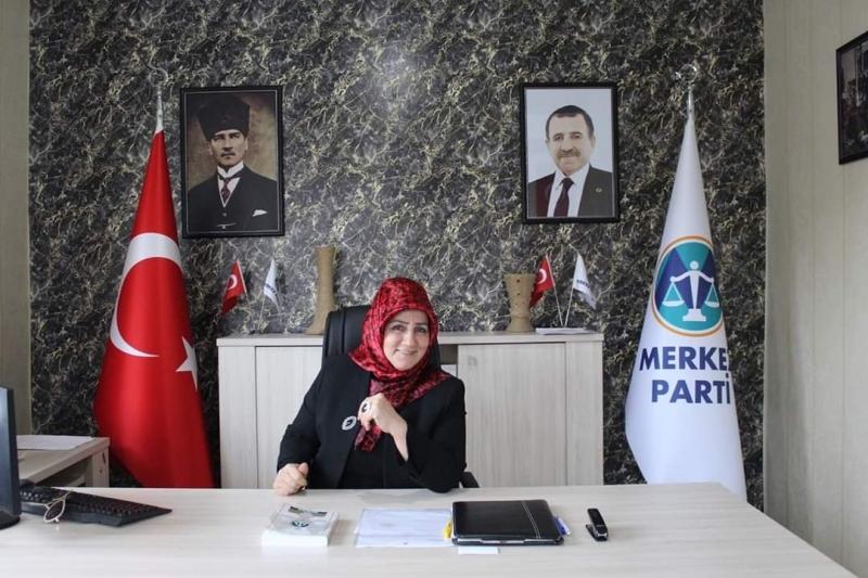 Sabriye Toprak Güloğlu'ndan net Tavır Merkez Parti Üyeliğimden Gurur Duyuyorum.