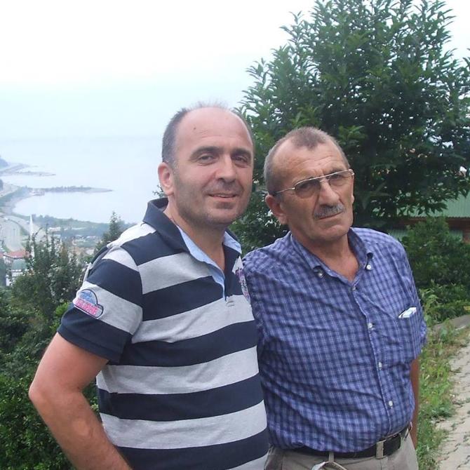Sanatçı ve Öğretmen Ahmet Topal'ın Baba Acısı