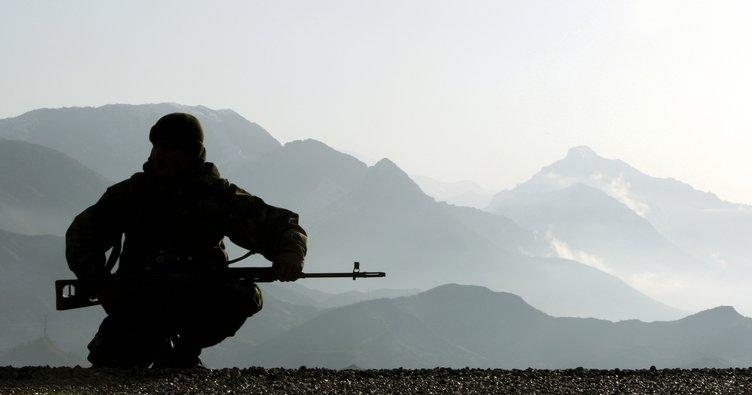Şemdinli'de kalekola saldıran 2 PKK'lı öldürüldü