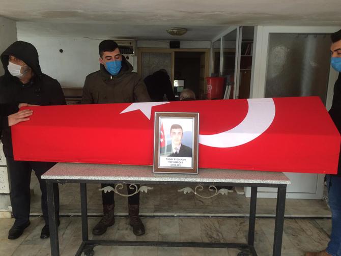 Silahla Tartışmada Hayatını Kaybeden Uzman Onbaşı Eyüboğlu, Rize'de Toprağa Verildi