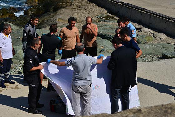 Trabzon'da denizde kadın cesedi bulundu