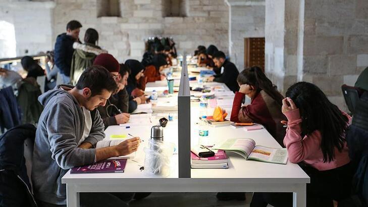 Üniversitelerin akademik takviminin başlayacağı tarih belirlendi