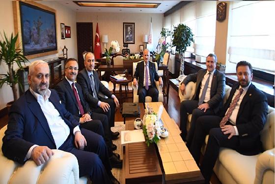 Vali Çeber, Başkanlığında ki Rize Heyeti Ulaştırma ve Altyapı Bakanını Ziyaret Etti