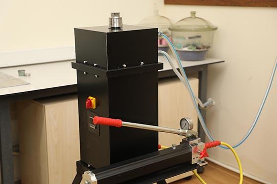 Yüksek lisans öğrencisinden yerli üretim laboratuvar cihazı