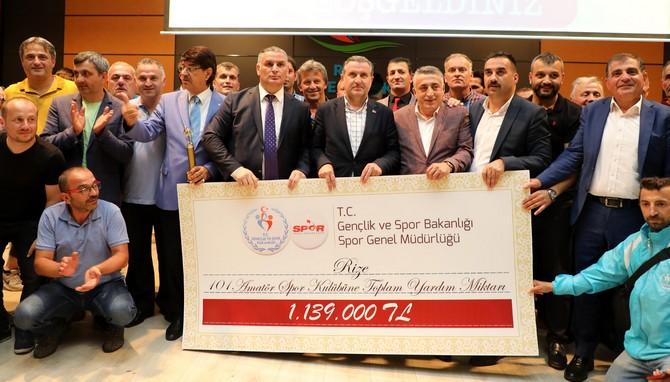 Rize'de Amatör Spor Kulüplerine 1 Milyon 139 Bin Lira Yardım Yapıldı