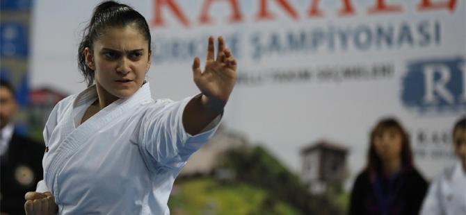 Rize'de Karate Şöleni Başladı