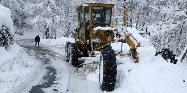 Rize'de kar yağışı hazırlıksız yakaladı