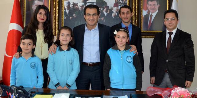 Başkan Esmen'e miniklerden 23 Nisan ziyareti