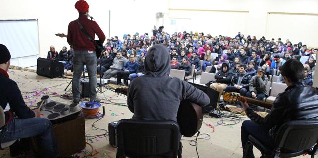 Rize'de YGS öğrencilerine motivasyon konseri