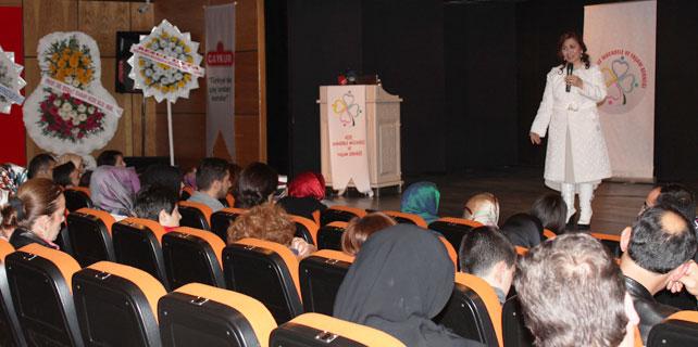 Rize'de Kanserle Yaşam Konferansı