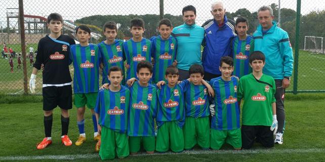 Rizeli futbolcular Antalya'da hız kesmiyor