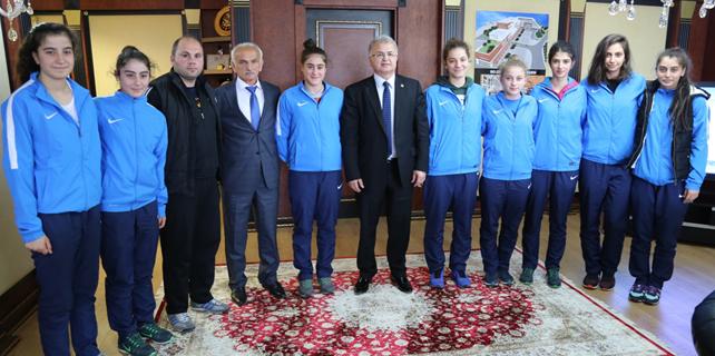 Rize Belediyespor Bayan Basketbol takımı Türkiye 4.'sü