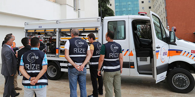 Rize'ye 240 bin TL'lik araç gönderildi
