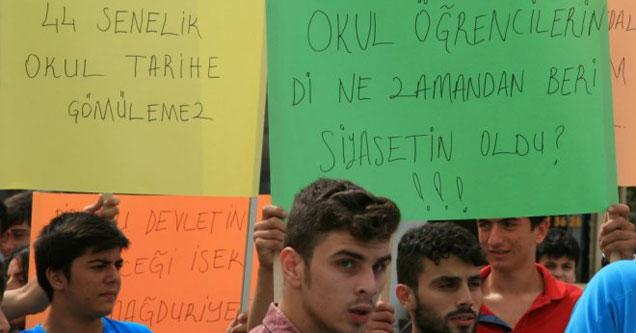 AKP Rize'de 44 yıllık okul binasını çaldı!