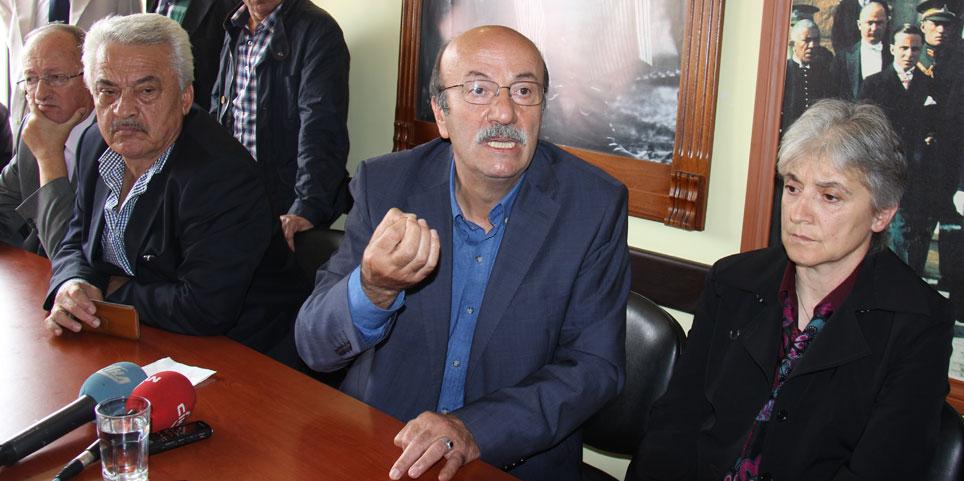 Bekaroğlu, CHP Rize İl Başkanlığında bayramlaştı