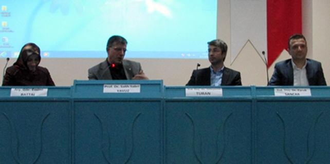 """RTEÜ'de """"Doğu ve Batı'da Yeni Dini Hareketler"""" paneli"""
