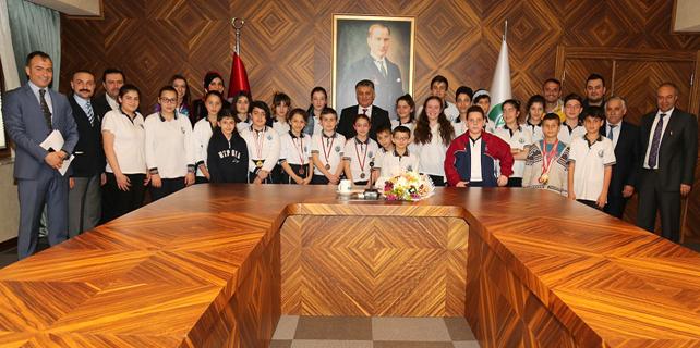 Vali Yazıcı dereceye giren öğrencileri kabul etti