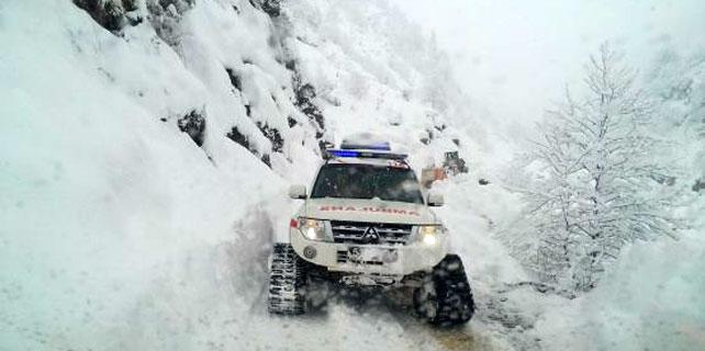 Rize'de 11 kişi kar yüzünden mahsur kaldı