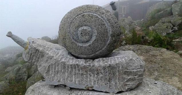 Çamlıhemşin'de sıradışı heykel ustalığı