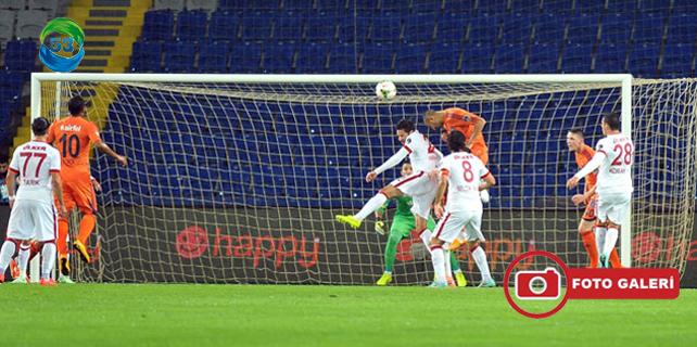 İstanbul Başakşehir: 4 - Galatasaray: 0 / Foto Galeri