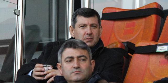 Kazmaz Rizespor Başkanı Kalkavan'ı topa tuttu