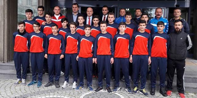 Rize Belediyespor U15 takımı Erzurum'a uğurlandı