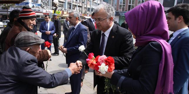 Rize'de Kutlu Doğum Haftası'na çiçekli kutlama