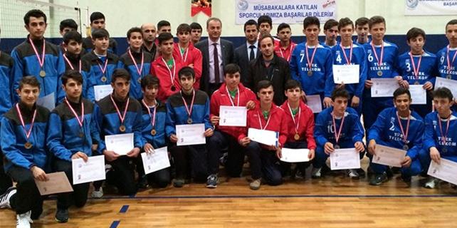 Rize'de Gençler Voleybol müsabakaları sona erdi
