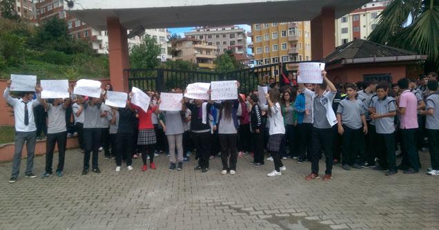 Rize Hasan Sağır Anadolu Lisesi eylemde