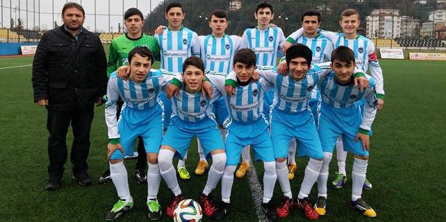 Rize'deki U19 Ligi maçında kavga çıktı