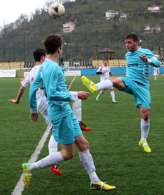Rize Belediyespor - KV Veliköyspor maçı / Foto Galeri