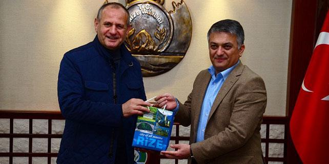 Düzce Belediye Başkanı Yazıcı'yı ziyaret etti