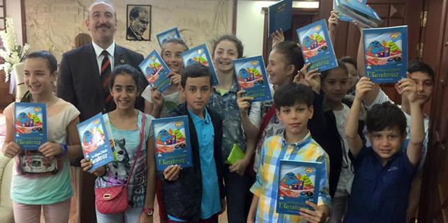 Başkan Gültekin'i oyunlarına davet ettiler