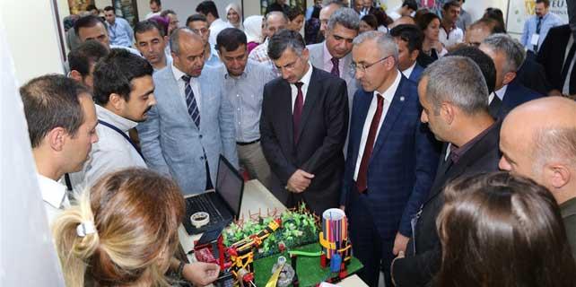 RTEÜ'lü gençlerin projeleri sergilendi
